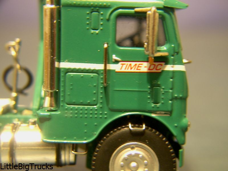 freightliner tractors